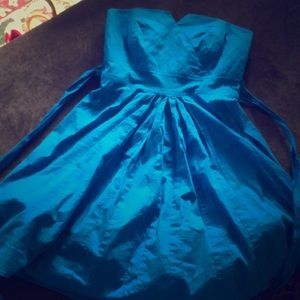 Strapless blue short dress